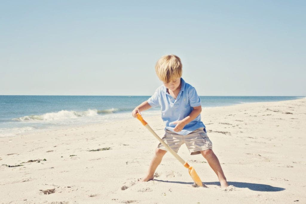 tips for child photography at the beach