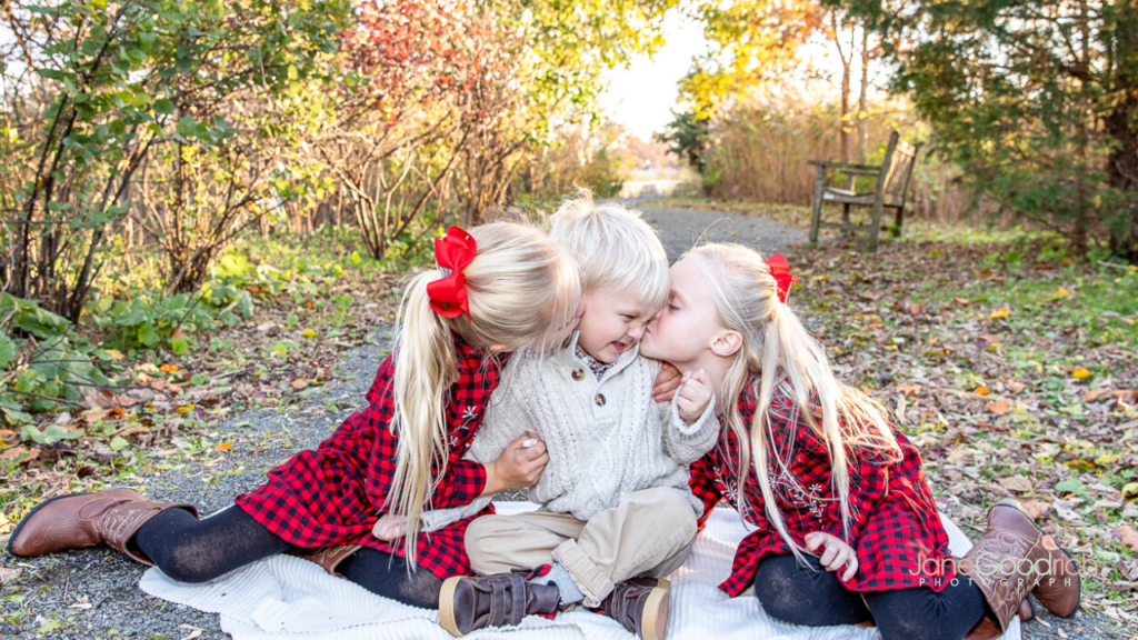larchmont, NY sister nad brother outdoor photograph holiday