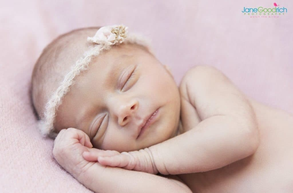 CREATING STUNNING BABY PORTRAIT PHOTOS