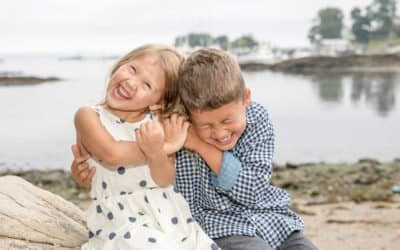 TIPS FOR PHOTOGRAPHING YOUNGER SIBLINGS