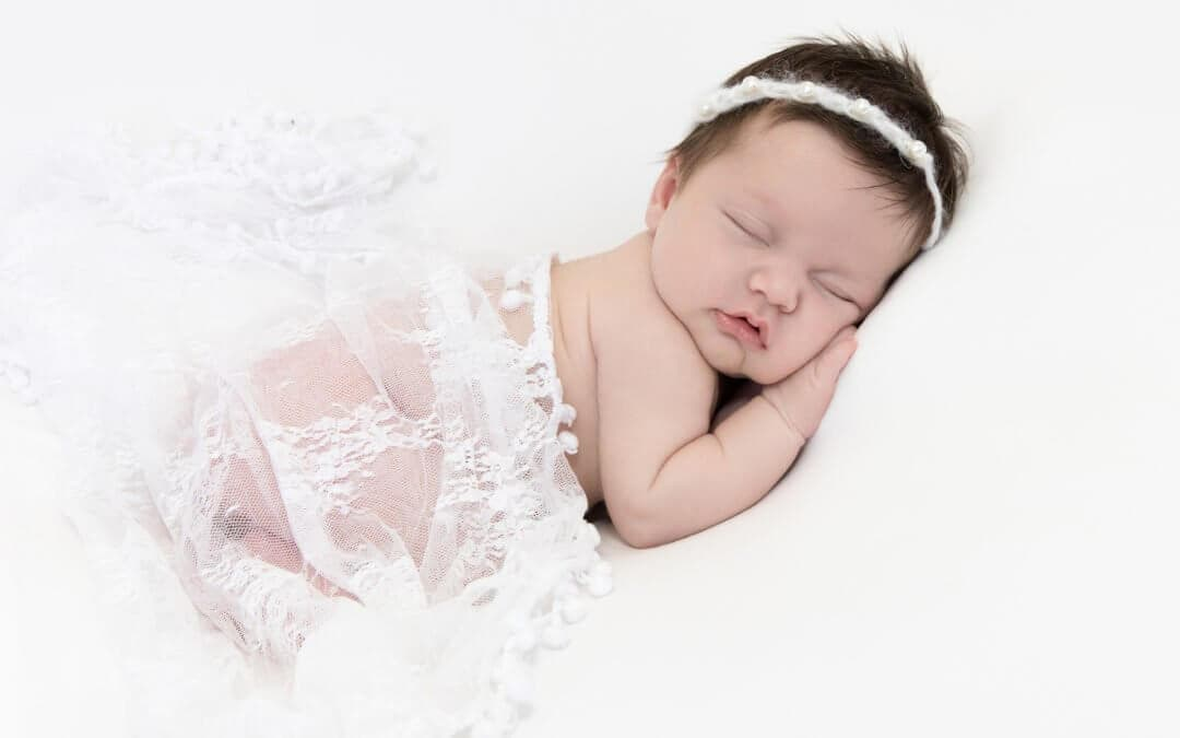 6 TIPS FOR NEWBORN AND BABY PHOTOGRAPHY