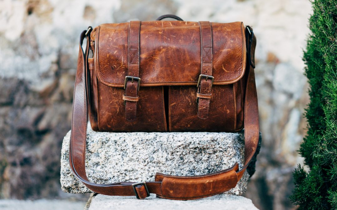 Curated by Jane: CHOOSING THE RIGHT CAMERA BAG